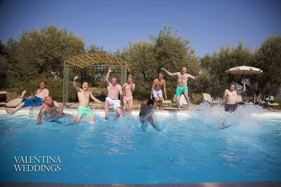 https://www.valentinaweddings.co.uk/villa-san-crispolto-pool-party/