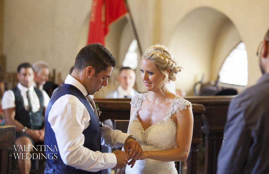 Romantic Italian Wedding | San Crispolto | Valentina Weddings-009