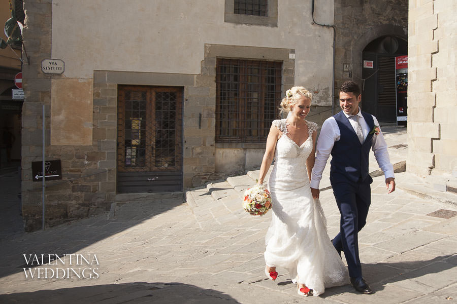 Romantic Italian Wedding | San Crispolto | Valentina Weddings-015
