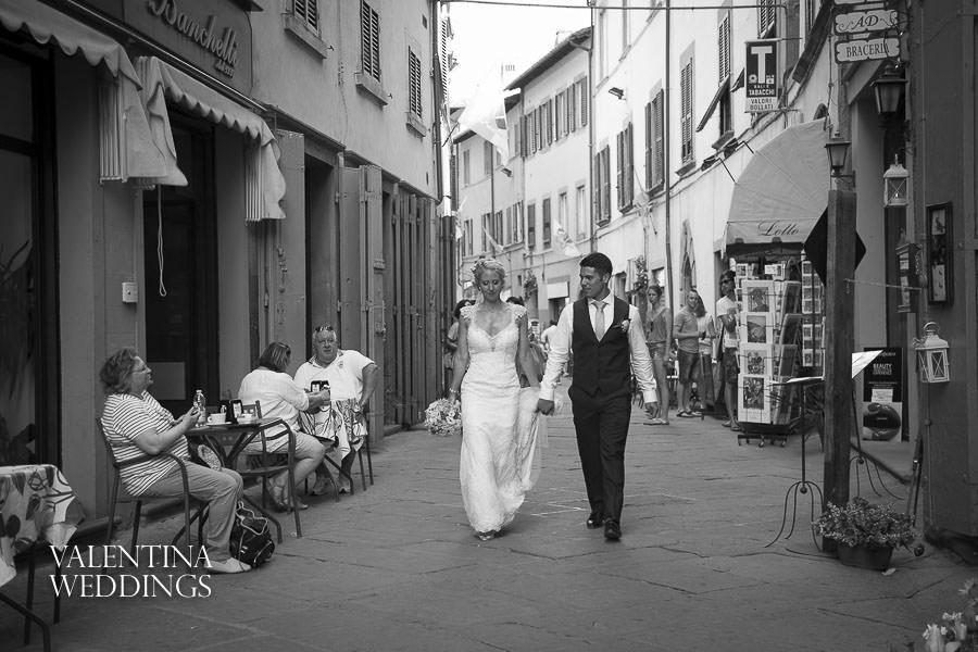 Romantic Italian Wedding | San Crispolto | Valentina Weddings-029