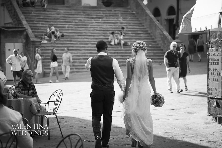 Romantic Italian Wedding | San Crispolto | Valentina Weddings-030