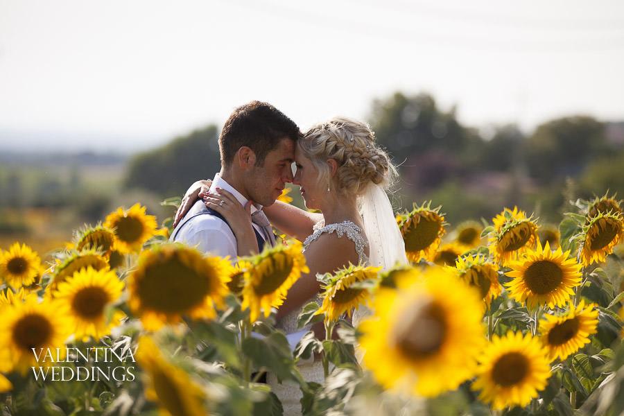 Romantic Italian Wedding | San Crispolto | Valentina Weddings-034