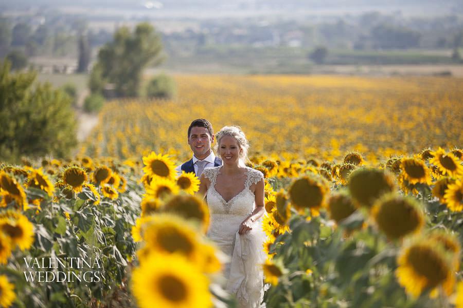 Romantic Italian Wedding | San Crispolto | Valentina Weddings-038