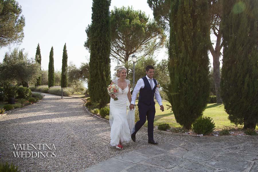 Romantic Italian Wedding | San Crispolto | Valentina Weddings-039