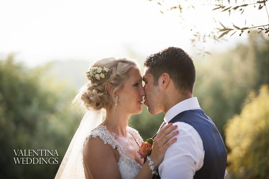 Romantic Italian Wedding | San Crispolto | Valentina Weddings-049