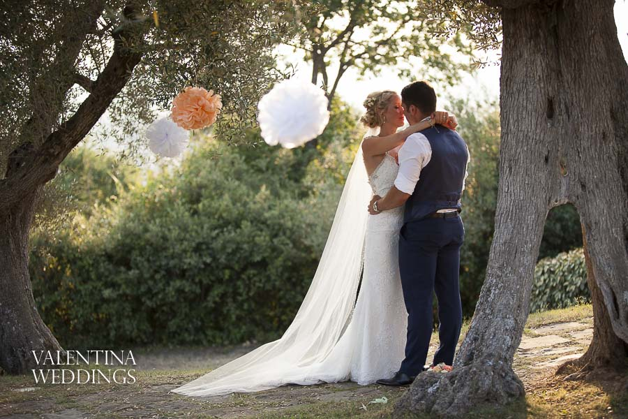 Romantic Italian Wedding | San Crispolto | Valentina Weddings-051